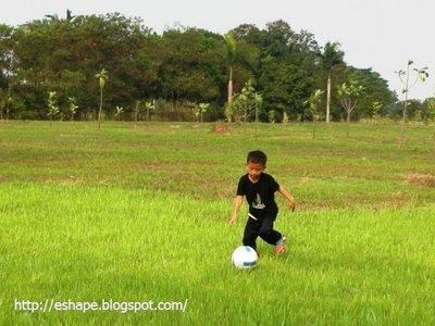 total footbal sendirian
