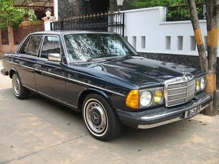 http://mobillawas.blogspot.com/2009/11/mercedes-benz-tiger-280-th-1978-full.html