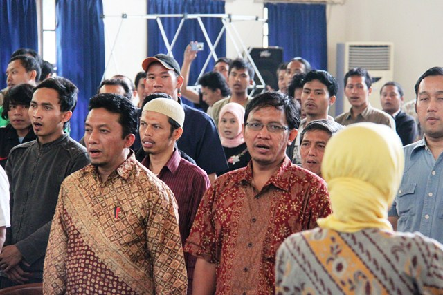 Lagu Indonesia Raya di Amprokan Blogger 2011