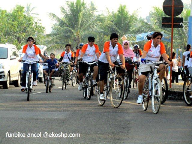 Fun Bike UGM di Ancol