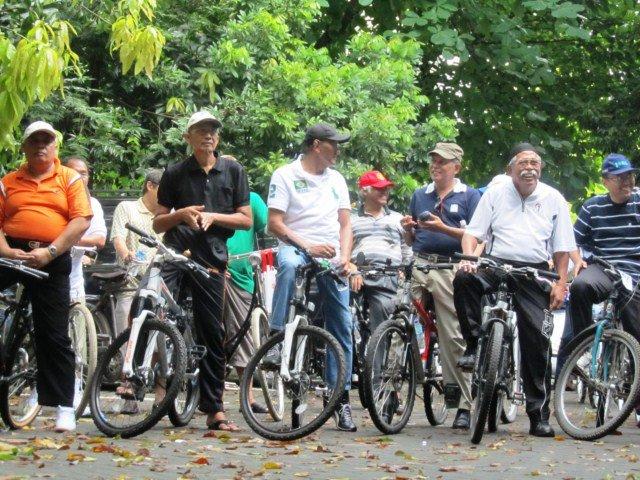 Peserta sepedaan tidak dibatasi umur, semua boleh ikut