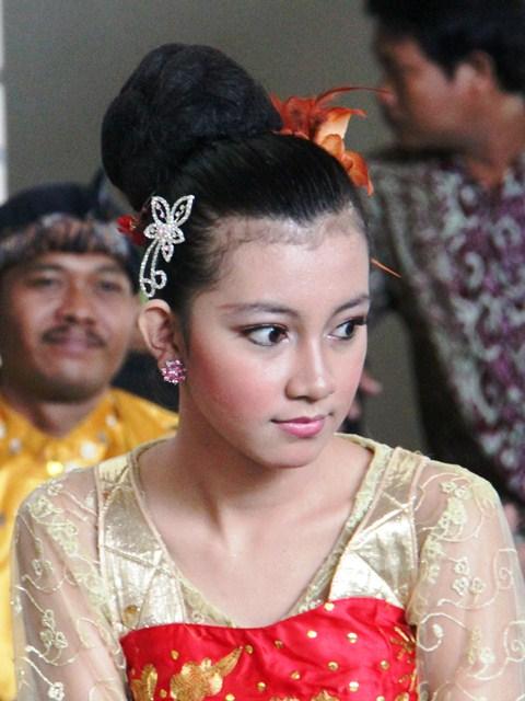 bukan Anak SMP lagi dan bukan ABG Jogja, tapi penari Bekasi