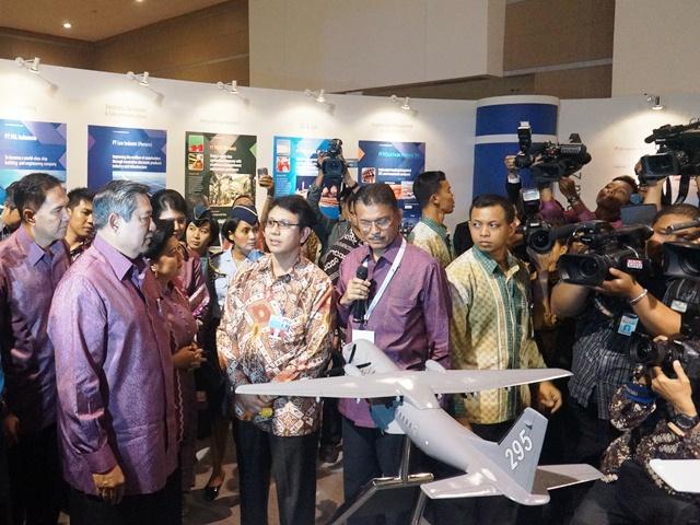 berburu foto SBY dan JokoWi
