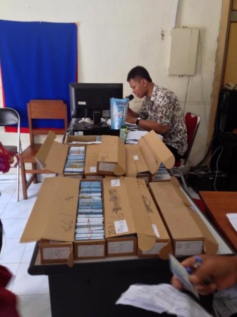 Tumpukan e-KTP di Ngestiharjo Kasihan Bantul