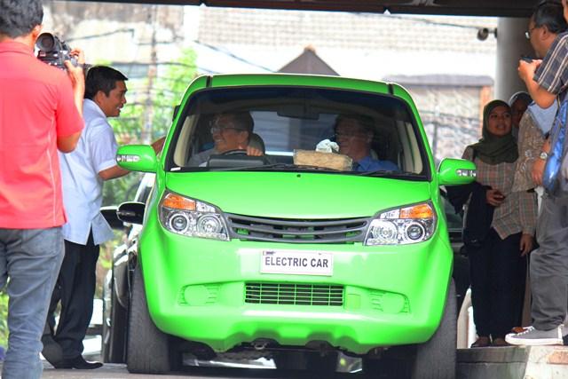 Dahlan Iskan dan Mobil Listrik 1