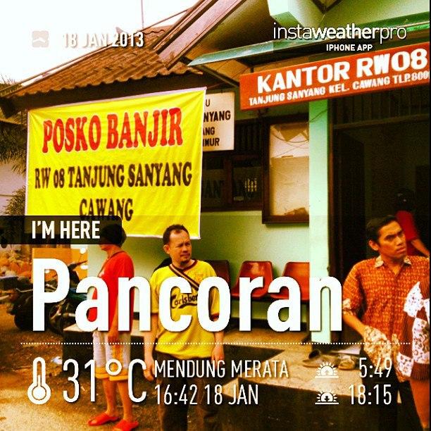 Posko banjir RW 08 Tanjung Sanyang Cawang