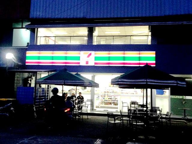 Restaurant 7-eleven 24 jam