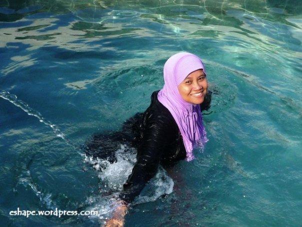 Renang di Tanjung Lesung