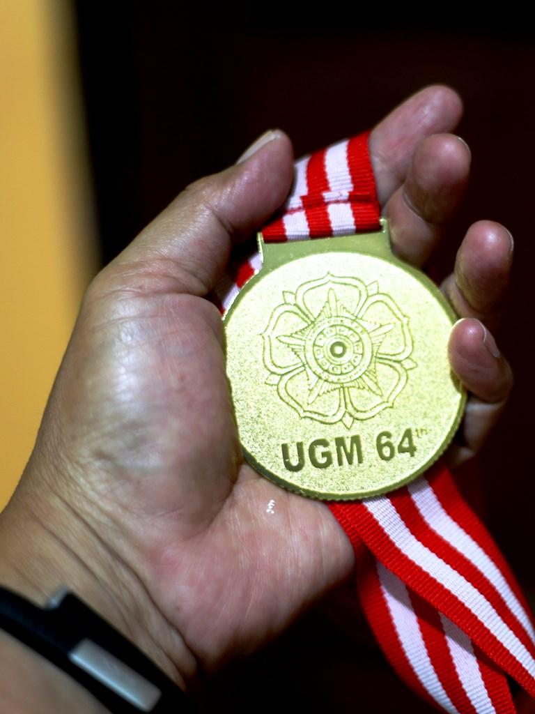 64 tahun UGM
