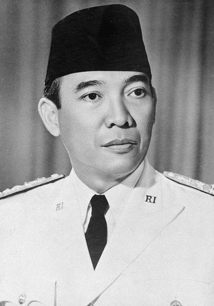 http://id.wikipedia.org/wiki/Berkas:Presiden_Sukarno.jpg