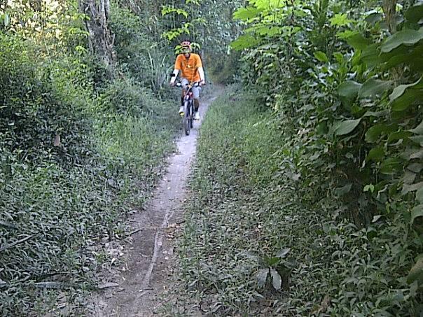 Goweser Djoko Luknanto dengan MTB (foto : Indul Mataram)
