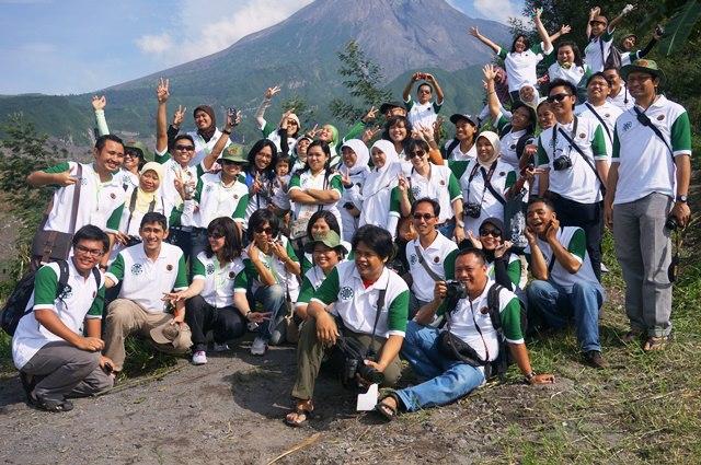 Pecinta alam cukup narsis di lereng Merapi