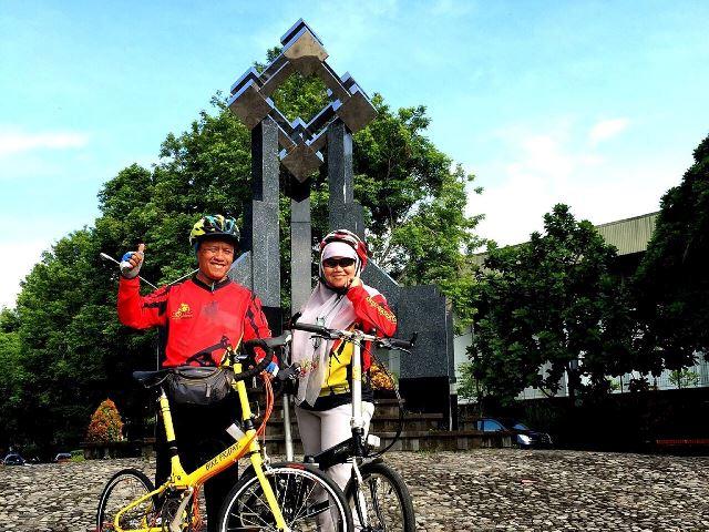 Bike Friday berpasangan dengan Dahon