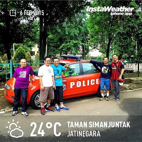 Jalan kaki rutin di Taman Simanjuntak