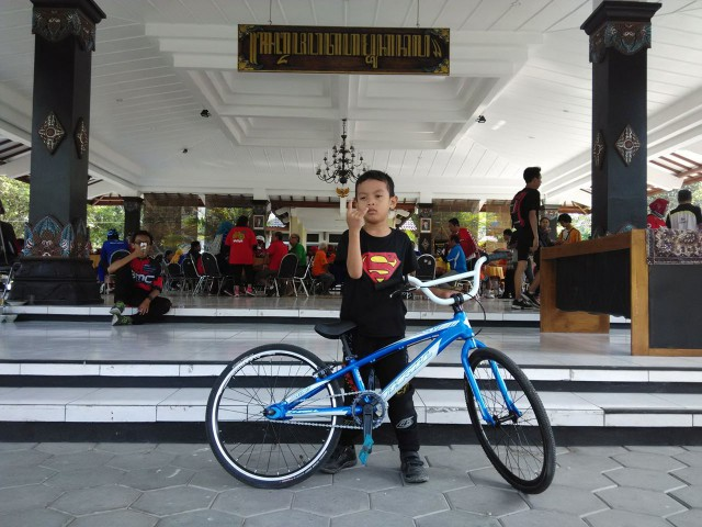 Yuk ajari cinta sepeda sejak kecil