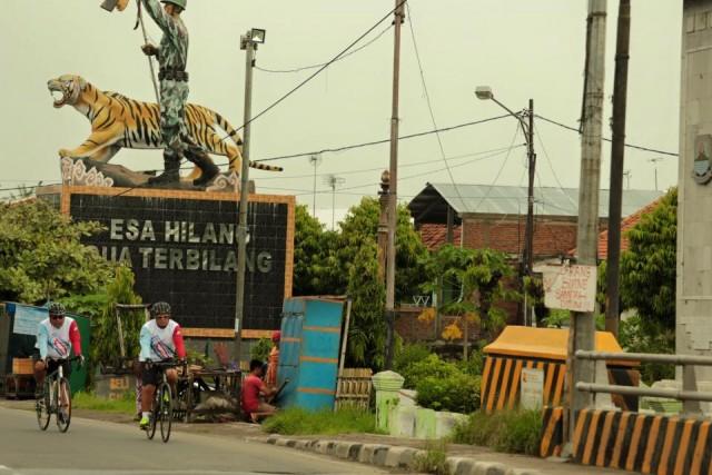 Gowes Pantura di batas Jateng Jabar Brebes