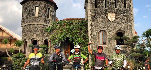 Peserta terakhir di lokasi Finsih Mang Engking Castle