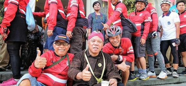 Menteri PUPR bersantai ria di Balairung UGM