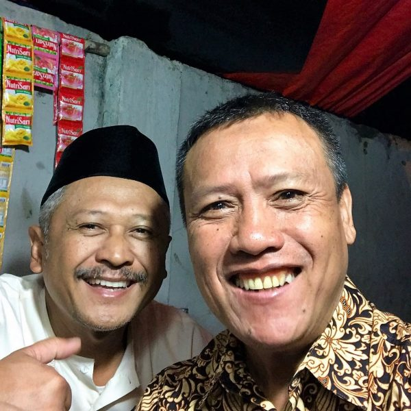 sepasang jamaah subuh Cawang