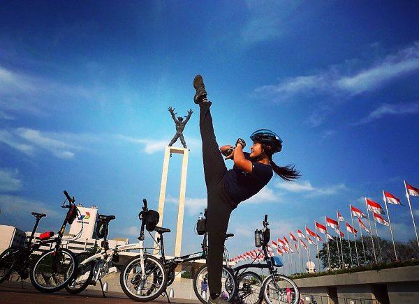 Gowes Tahun Baru plus atraksi lapangan Banteng